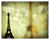 Paris est pour les amoureux Affiches par Irene Suchocki