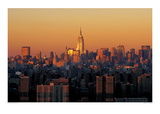 Manhattan Dusk Giclee Print by Richard Berenholtz