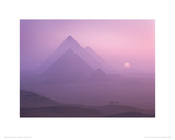 Sunrise over the Pyramids, Giza Giclée-Druck von Brian Lawrence