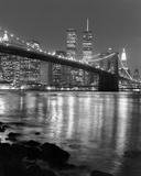 Night View of Brooklyn Bridge and Manhattan Skyline 高画質プリント : クリス・ブリス