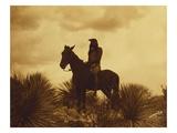 Edward S. Curtis - The Scout, Apache Digitálně vytištěná reprodukce