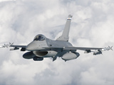 An F-16 from the Colorado Air National Guard in Flight over Brazil Fotografie-Druck von  Stocktrek Images