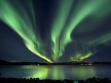 Revontulet Tjeldsundetin yllä, Tromssa, Norja Valokuvavedos tekijänä Stocktrek Images,