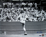 Ken Regan Signed Bob Gibson Pitching Horizontal Photo Photo
