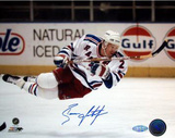 Brian Leetch Autographed In Air Photograph Foto