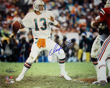 Dan Marino Autographed Miami Dolphins Home Jersey Dropping Back to Pass Horizontal Photograph - Sig Photographie