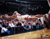 Dennis Rodman Autographed &quot;HOF 2011&quot; Chicago Bulls Dive For Loose Ball Horizontal Photograph Photographie
