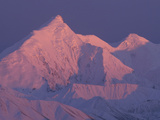 Alpenglow on Mt Brooks, Denali National Park and Preserve, Alaska Photographic Print by Matthias Breiter/Minden Pictures