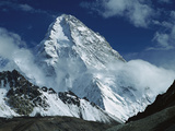 The North Face of K2 from K2 Glacier, 2nd Highest Peak in the World, Karakoram, Xinjiang, China Lámina fotográfica por Colin Monteath/Minden Pictures