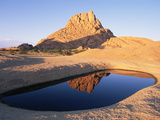 Spitzkoppe Granite Outcrop in Southern Damaraland with Ephemeral Pool, Namib Desert, Namibia Fotografie-Druck von Michael and Patricia Fogden/Minden Pictures
