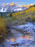 Maroon Bells and Maroon Creek, Colorado Photographic Print by Tim Fitzharris/Minden Pictures
