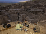 A Photographer Enjoys Tea before Taking Images of Gobekli Tepe Photographie par Vincent J. Musi