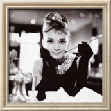 Audrey Hepburn in Breakfast at Tiffany&#39;s Print