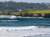 Pebble Beach Golf Course and Large Waves at Carmel Beach City Park Fotografisk tryk af Rich Reid