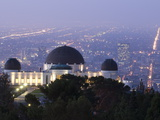 Dawn at Los Angeles and the Griffith Observatory from Mount Hollywood Fotografisk tryk af Rich Reid