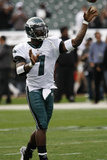 Eagles Raiders Football: Oakland, CA - Michael Vick Photographic Print by Paul Sakuma