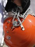 Vikings Browns Football: Cleveland, OH - A Cleveland Browns Helmet Fotografisk trykk av Tony Dejak