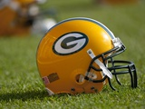Packers Training Camp: Green Bay, WISCONSIN - Green Bay Packers Helmet Plakat av Mike Roemer