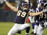 Colts Vikings Football: Minneapolis, MINNESOTA - Jared Allen Fotografisk trykk av Tom Olmscheid