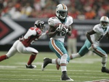 Dolphins Falcons Football: Atlanta, GA - Davone Bess Photo by John Amis