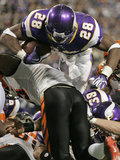 APTOPIX Bengals Vikings Football: Minneapolis, MN - Adrian Peterson Photographic Print by Andy King