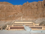 Hatschepsut temple in Egypt Photographic Print by Theo Allofs