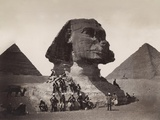 British Soldiers at the Sphinx Photographic Print by Bettmann