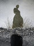 Woman's Ghostly Reflection in Water Fotografisk tryk af Elisa Lazo De Valdez