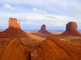 Mitten Buttes and Merrick Butte in Monument Valley Photographie par Jos&#233; Fuste Raga