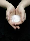 Handful of Sea Salt Fotografisk tryk af Elisa Lazo De Valdez