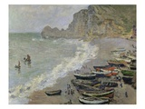 Etretat, The Beach and the Porte d'Amont Giclee Print by Claude Monet