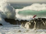 Mark A. Johnson - Surf Crashing near Surfer on Boulders - Fotografik Baskı