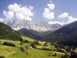 Funes Valley and the Dolomites Fotografie-Druck von José Fuste Raga