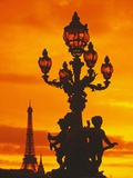 Street Light on Pont Alexandre III at Sunset Photographie par Murat Taner