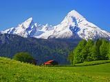 Cabin Below Watzmann Mountain in Bavarian Alps Fotografisk tryk af Walter Geiersperger