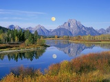 Full Moon Rising Over the Oxbow Bend Fotografisk tryk af Buddy Mays