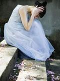 Woman Wearing Dress Looking Down Fotografisk tryk af Elisa Lazo De Valdez
