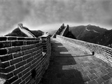 Great Wall of China Under Storm Clouds Fotoprint van Ian F. Gibb