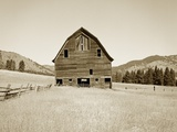 Barn in a Golden Field Reproduction photographique par Tom Marks