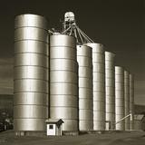 Silver Grain Elevators Photographie par Tom Marks