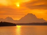 Sunset over Jackson Lake Fotografie-Druck von Frank Lukasseck