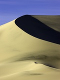 Sand dune at Eureka Valley Dunes in Death Valley National Park Photographic Print by John Eastcott &amp; Yva Momatiuk