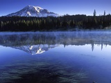 USA, Mount Rainier National Park, Morning View from Reflection Lake Lmina fotogrfica por Chris Cheadle