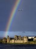 A Rainbow over King John's Castle in County Limerick Fotografiskt tryck av Chris Hill