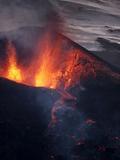 Lava erupting from Eyjafjallajokull Fotografická reprodukce