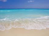 Mike Theiss - White sand beach in Cancun - Fotografik Baskı
