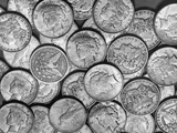 "American ""Liberty"" Silver Dollars Photographie par Bettmann"
