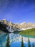 Moraine Lake, Banff National Park, Alberta, Canada Photographie par John E Marriott