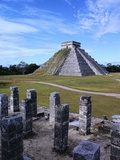 Pyramid of Kukulkan at Chichen-Itza Fotografisk tryk af Richard Gross