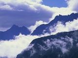 Mountains Shrouded by Clouds Fotografie-Druck von José Fuste Raga